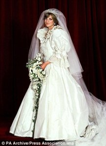 And just like that, puffy sleeves on wedding gowns were mandatory.